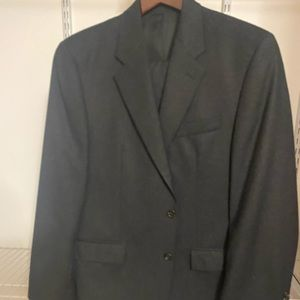 Perfect for the winter, dark gray 2 piece suit